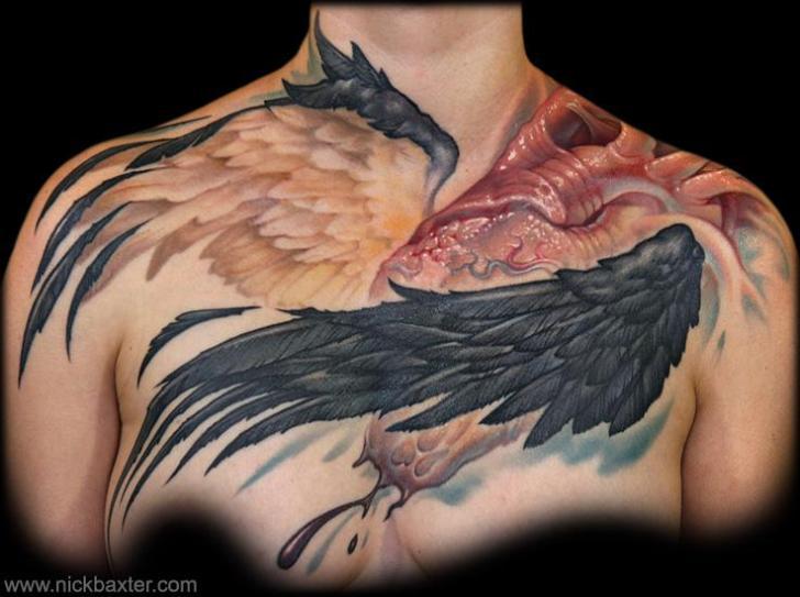 Tatuaje Alas Pecho Por Nick Baxter