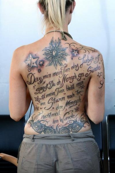 Lettering Back Tattoo by Tattoo Hautnah