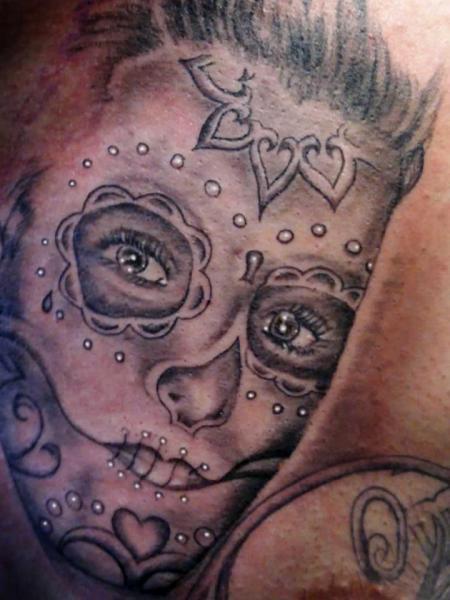 Mexikanischer Totenkopf Tattoo von Tattoo Hautnah