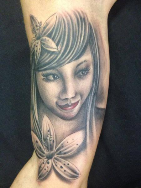 Arm Realistic Flower Women Tattoo by Nirvana Tattoo