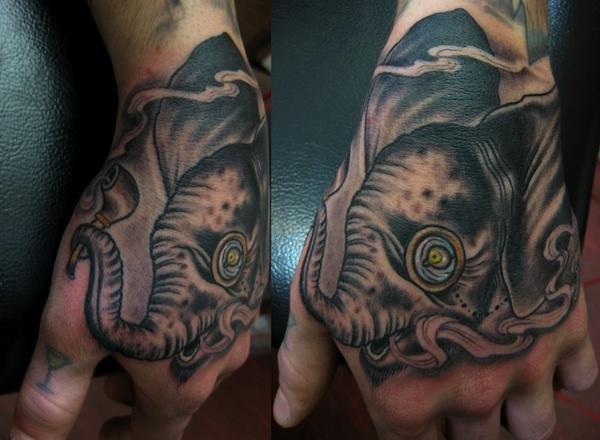 tatouage main elephant par rose hardy tattoo
