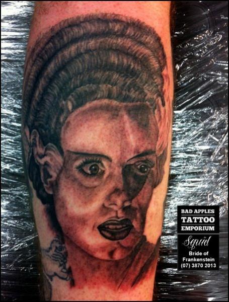 Arm Fantasie Porträt Tattoo von Bad Apples Tattoo