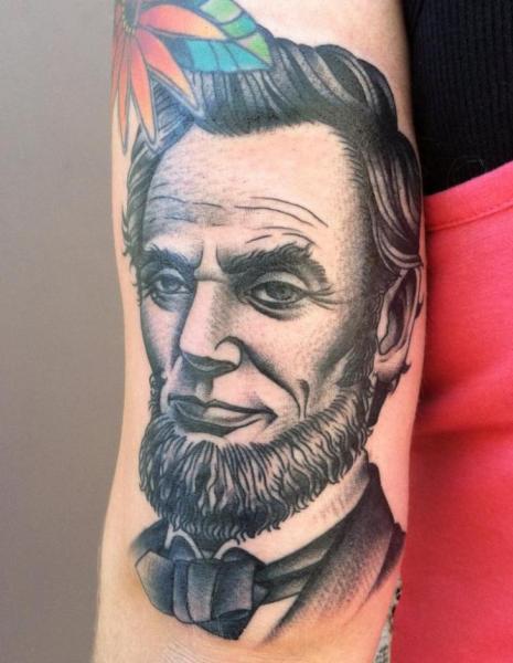 Arm Porträt Lincoln Tattoo von Chalice Tattoo