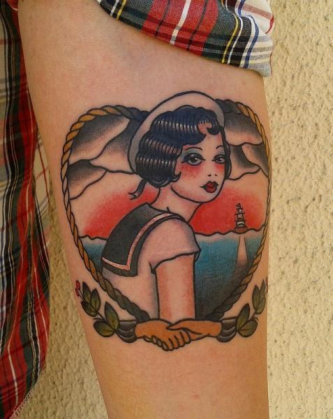 Tatuaje Brazo Old School Marinero Por Zoi Tattoo