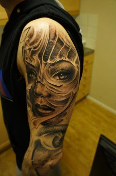 Schulter Mexikanischer Totenkopf Tattoo von Zoi Tattoo