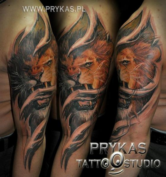 Shoulder Realistic Lion Tattoo by Prykas Tattoo