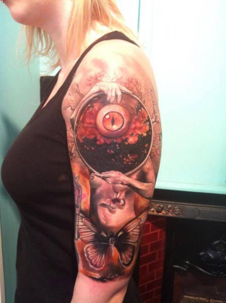 Tatuaje Brazo Fantasy Mujer Mariposa por Restless Soul Tattoo