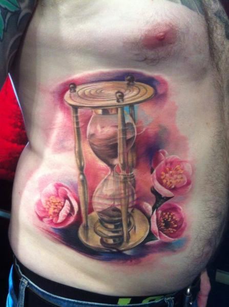 Tatuaje Realista Lado Clepsidra por Restless Soul Tattoo