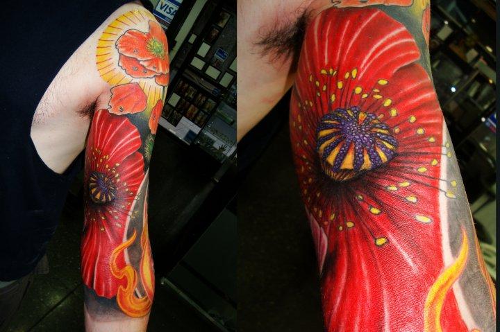 Tatuaje Brazo Realista Flor por Javier Tattoo