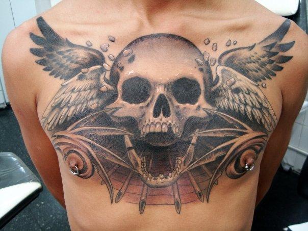 Brust Totenkopf Flügel Tattoo Von Javier Tattoo