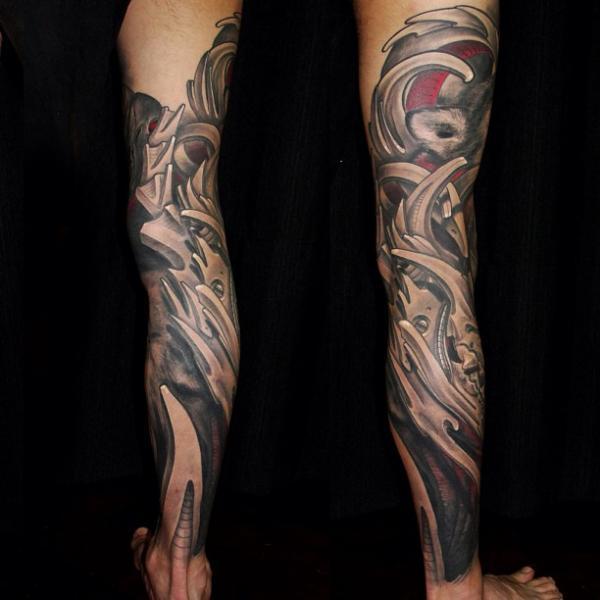 Tatuaje Biomecánica Pierna por Javier Tattoo