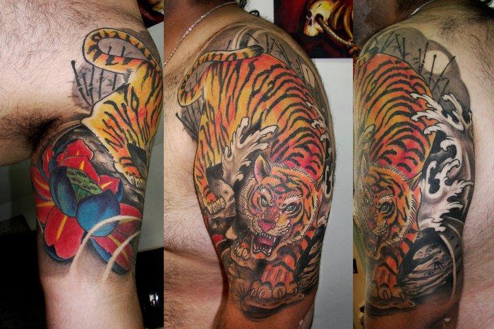 Shoulder Realistic Tiger Tattoo by Javier Tattoo