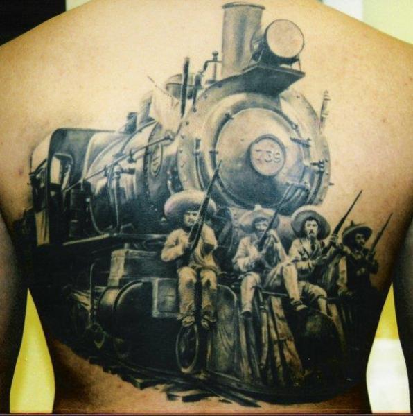 Tatuaggio Realistici Schiena Treno di Carlos Torres
