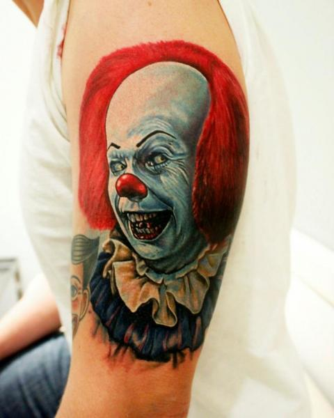 Arm Fantasie Clown Tattoo von Logan Aguilar
