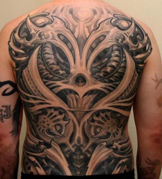 Biomechanisch Rücken Tattoo von Boris Tattoo