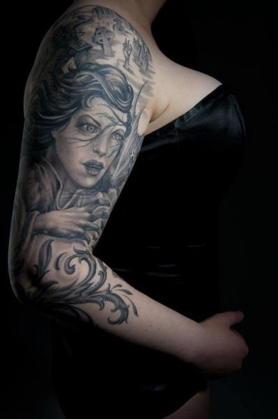 Tatuaggio Spalla Braccio Donne di Evil Twins Tattoo