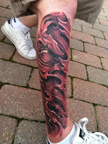 Tatuaje Biomecánica Pierna por Josh Duffy Tattoo