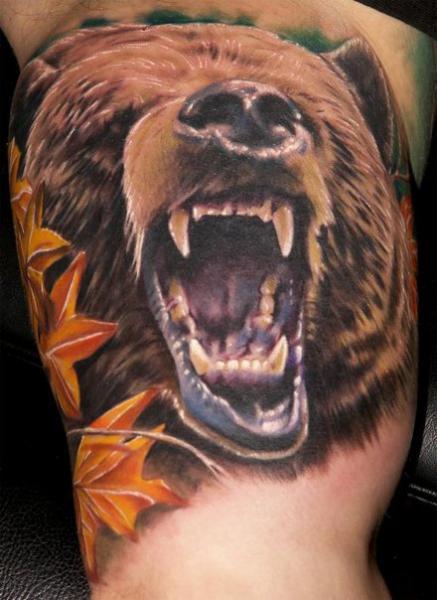 Arm Realistische Bären Tattoo von Venom Ink