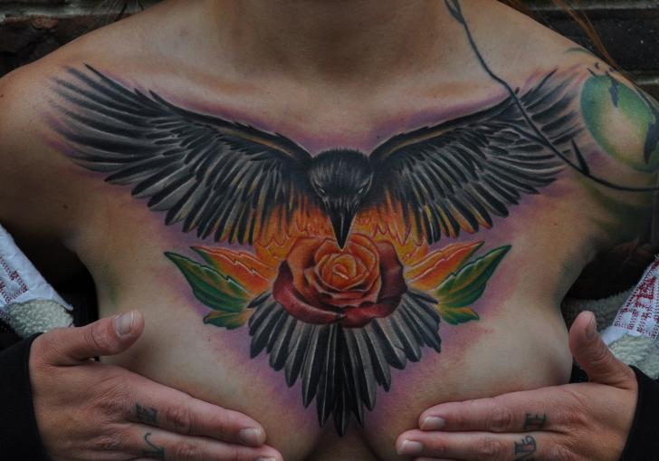 Blumen Krähen Brust Tattoo von Venom Ink