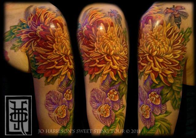 schulter arm realistische blumen tattoo von jo harrison. Black Bedroom Furniture Sets. Home Design Ideas