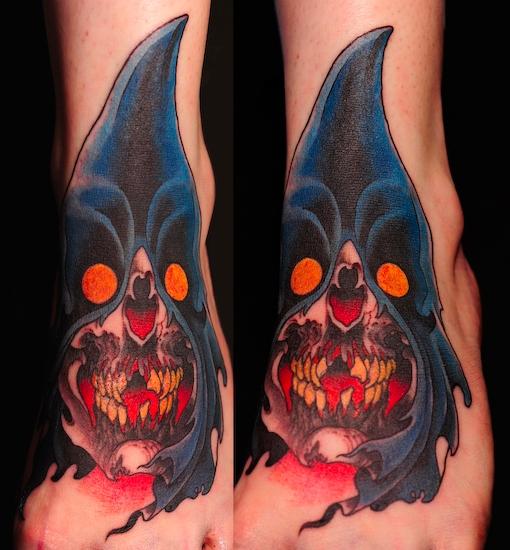 Fantasie Fuß Masken Tattoo von Skull and Sword