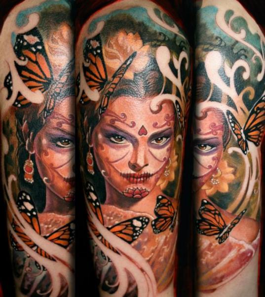 Frauen Schmetterling Sleeve Tattoo von Reinkarnation Tattoos