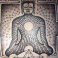 Brust Buddha Dotwork tattoo von Holy Trauma