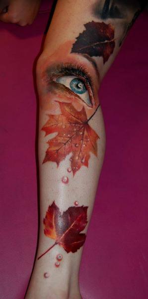 Realistische Bein Auge Blatt Tattoo von Nadelwerk