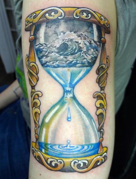 Arm Wasseruhr Meer Tattoo von Insight Studios