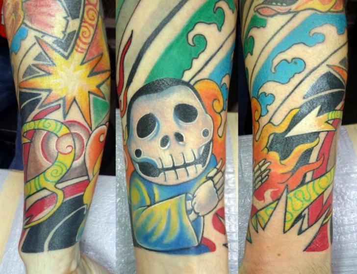 Arm Fantasie Charakter Comic Tattoo von Insight Studios