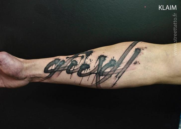 Arm Leuchtturm Fonts Tattoo von Street Tattoo
