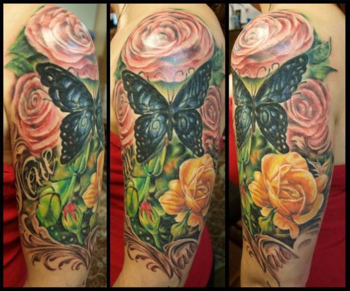 Schulter Realistische Blumen Schmetterling Tattoo von Serenity Ink 414