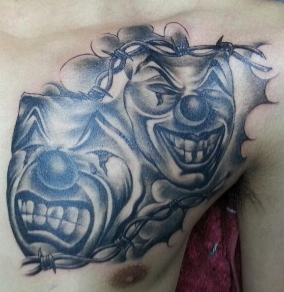 Brust Masken Tattoo von Bird Tattoo