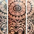 tatuaje Hombro Tribal por Bird Tattoo