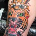 Old School Tiger Dolch Oberschenkel tattoo von Mike Chambers