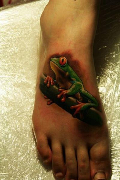 Realistic Foot Frog Tattoo by Babakhin
