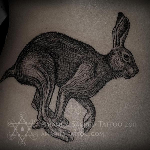 Dotwork Hase Tattoo von Amanita Tattoo