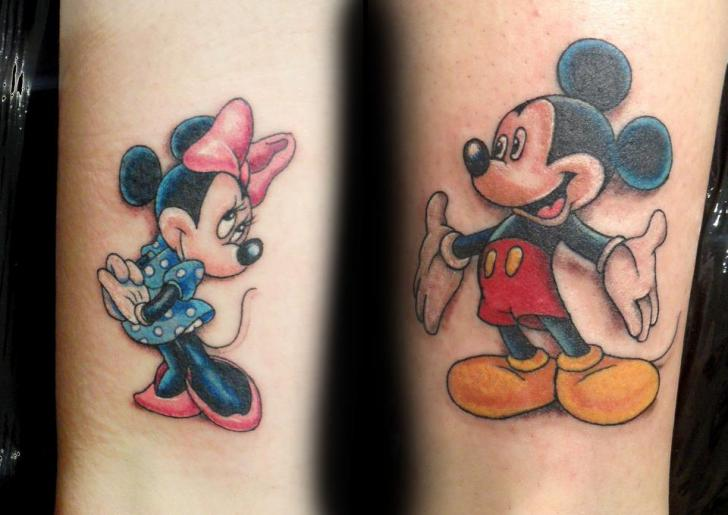 Tatuaje Brazo Fantasy Ratoncito Mickey Personaje Minnie por Style Tattoo