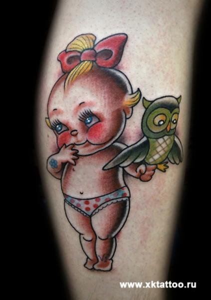 Tatuaje Brazo Fantasy Niños Búho por XK Tattoo