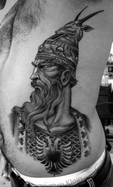 Porträt Seite Krieger Tattoo von Saved Tattoo