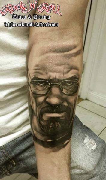 Arm Porträt Realistische Tattoo von Rock n Roll Tattoo