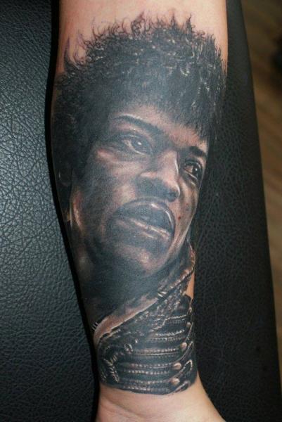 Arm Porträt Realistische Tattoo von Tattoos by Mini