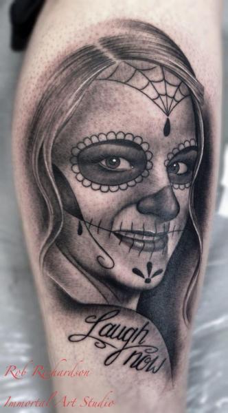 Arm Totenkopf Tattoo von Rob Richardson