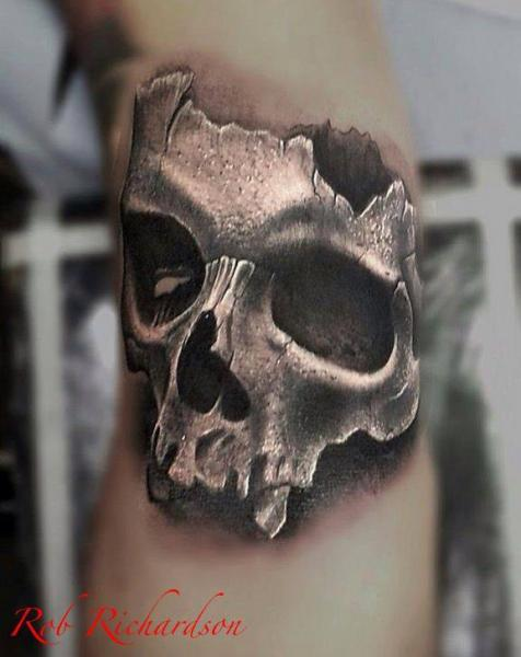 Arm Realistic Skull Tattoo by Rob Richardson