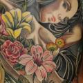 Porträt Frauen Rücken tattoo von Colin Jones