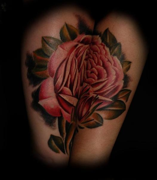 Realistische Blumen Rose Tattoo von Colin Jones