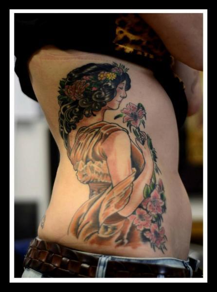 Seite Japanische Frauen Tattoo von Colin Jones