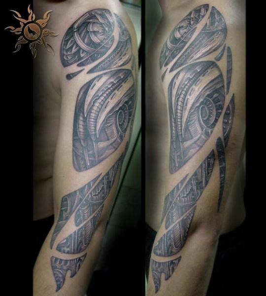 Arm Biomechanical Tattoo by Ramas Tattoo