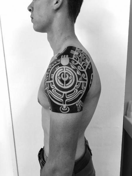 Shoulder Tribal Maori Tattoo by C-Jay Tattoo