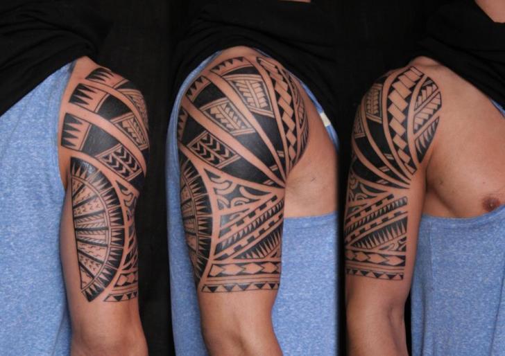 Shoulder Tribal Tattoo by C-Jay Tattoo